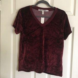 Burgundy Top 💃🏻 (price negotiable✨👌)